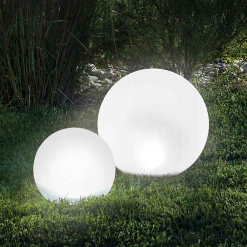 LED Kuglelampe til haven / Garden Orb Multicolor Light med fjernbetjening, 20 cm