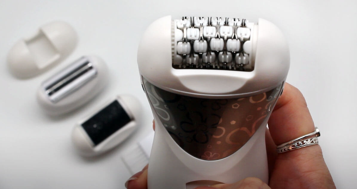 Close up af Gemei 4-i-1 epilator.